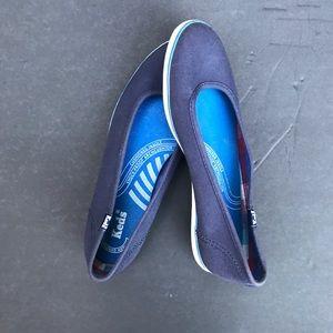 BLUE SLIP ON KEDS