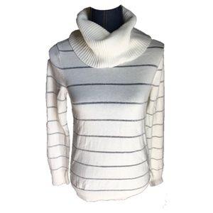 Cowl neck loft sweater