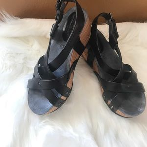 Bussola leather wedges. Comfortable