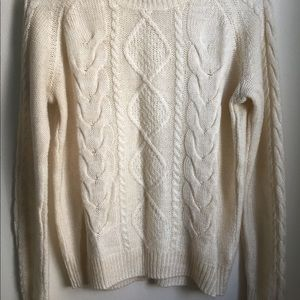 H&M white sweater size M