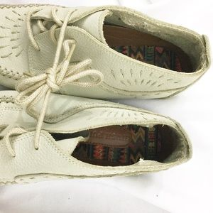 Hush Puppies Shoes - Vintage 90s Cream Leather Moccasin Hush Puppies