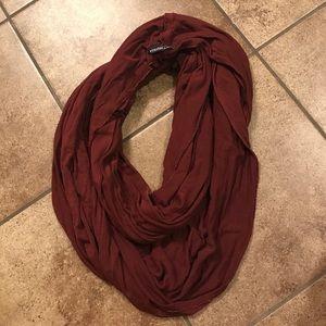 Brandy Melville maroon scarf