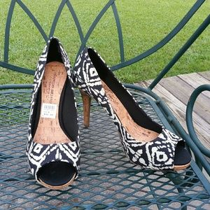 New Black and White Peep toe Pumps