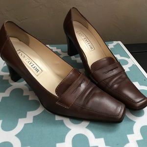 Ann Taylor Penny Loafer Pumps