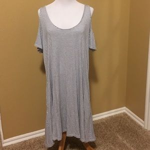 Women's cold shoulder dress with pockets large
