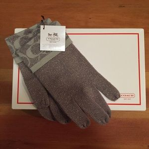 Coach metallic knit gloves
