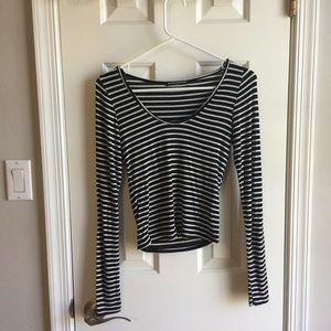 Brandy Melville Long Sleeved Crop