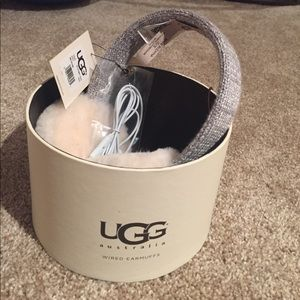 Brand New Ugg Wired Earmuffs (silver, one size)