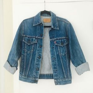 Vintage Levis Denim Jacket / Medium Wash Denim