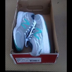 Women's New Balance Shoes sz. 6.5 med.