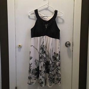 Dresses & Skirts - Above the knee dress
