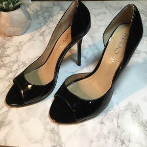 EUC Aldo Black Patent sandals