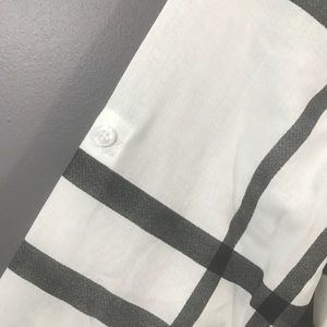 Allegra K Tops - Allegra K • Window Pane Button Up