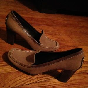 NINE WEST suede heeled loafers