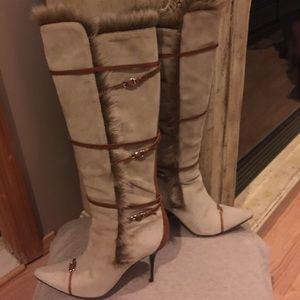 Beige suede boots camel leather, fur  trim buckles
