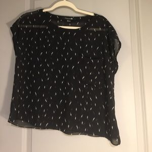 Black Express top w/white lightening bolts -Small