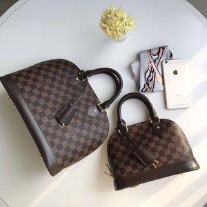 Louis Vuitton $250