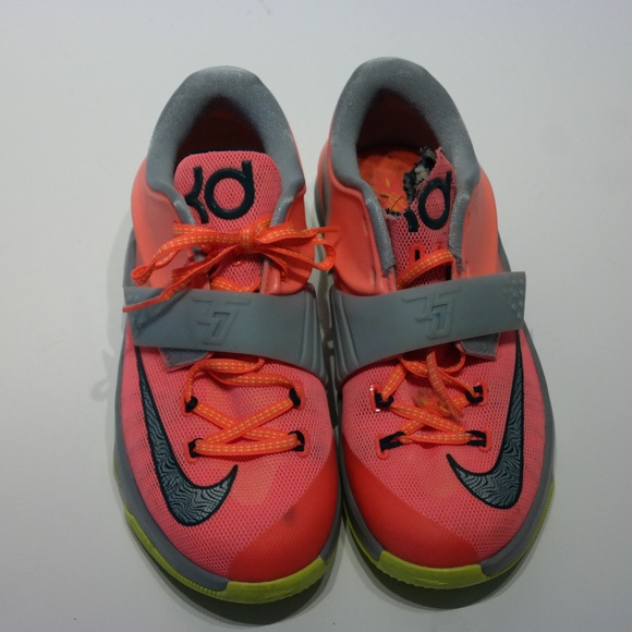 outlet store ed7b9 a5154 FINAL SALE Kids Nike KD 7 Basketball shoes Pink. M 59c861a32de512cccd04e91a