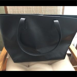 Large black old navy tote NWT