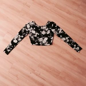 Forever 21 long sleeve black and white crop top