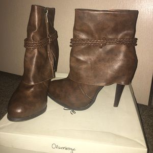 Vanity Brown Boots