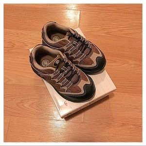 NIB {Buster Brown} Sneakers, 9