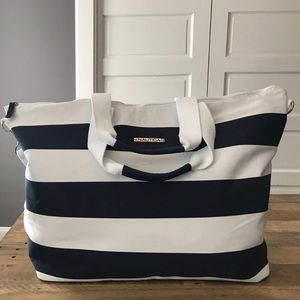 NAUTICA medium size duffle bag. New without tags!