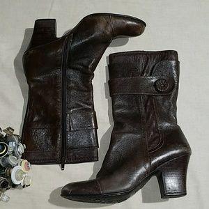 Born mid calf boots