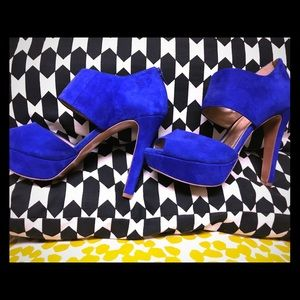 Brand New • Blue BCBG heels🔥🔥
