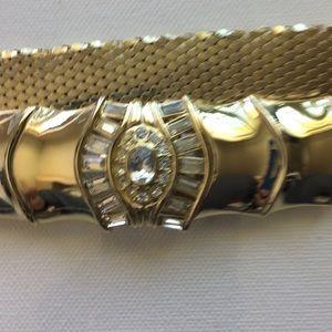 Gold metal belt with Rhinestones center