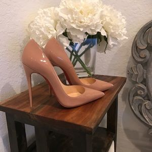 Christian louboutin nude heels . 100% authentic