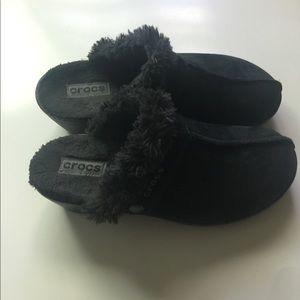 Crocs Suede and Faux fur cobbler clogs Size 8