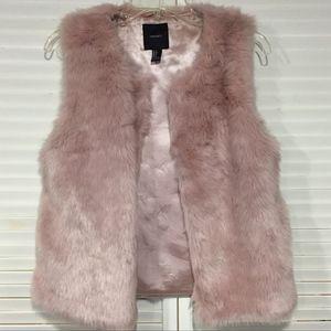 Forever 21 Fur Vest w/ Pockets!