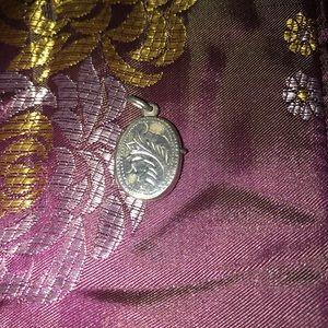 Jewelry - ✳️Sterling silver locket