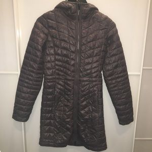 XS NORTH FACE PLEATED JACKET W/ HOOD