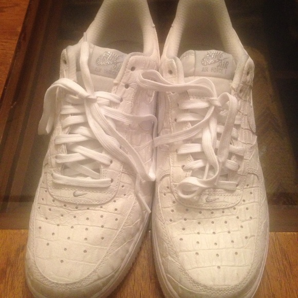 Men's Air Force 1s. 3 pairs! All size 9.5. List 1