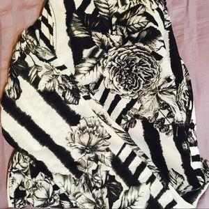 H&M unique button-down blouse slash shirt size s/m
