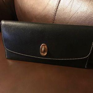 Dooney & Bourke black wallet with white stitching