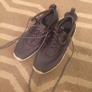 Women's Nike Free Virtuous Grey Running Shoes