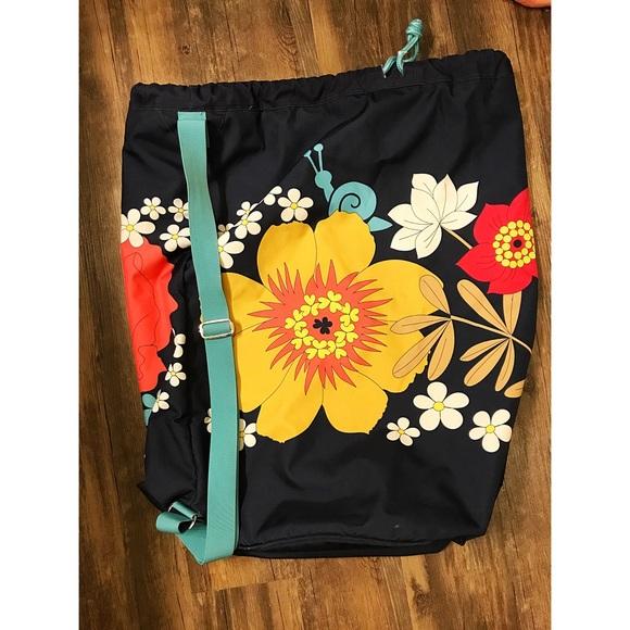 5153689d1d Vera Bradley Happy Snails Pattern Laundry Bag. M 59c87e8e99086abadc05b821