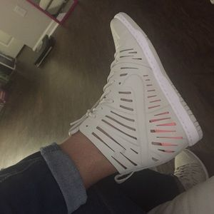 Dunks wedge sneaker