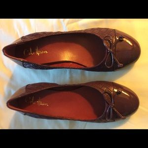 Cole Haan Leather Shoe with bow
