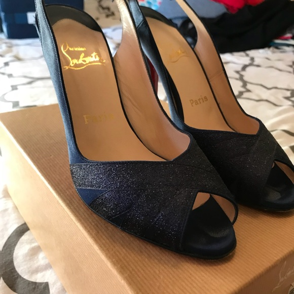 Christian Louboutin scarpe Navy   Navy scarpe Satin Heel 395   Poshmark a16ac0