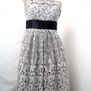 {BCBG MAX AZRIA} Strapless White Lace Dress [10]