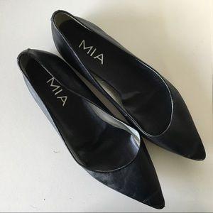 Mia Hepburn Black Leather Pointed Toe Flats