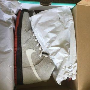 "Nike SB ""Black Wolf's"" size 9 dead stock"