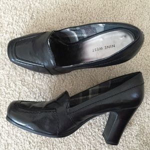 Nine West Heeled Loafers Black Leather Size 9
