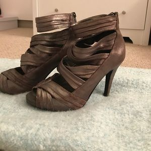Aldo brown metallic heels