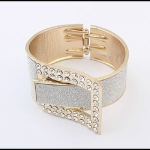 NWT Sparkly arm band in silver with belt design