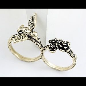 NWT Twin ring with bird and roses